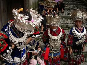 Femmes Miao Par L-Bit via Wikimedia Commons